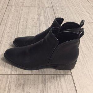 Dolce Vita Women's black boots